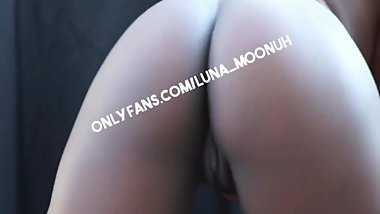 Ebony sluts tease you on the front porch