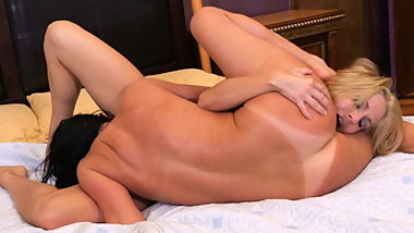 Wild lesbian sex with Veronica Avluv and Christie Stevens