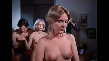 REBECCA BROOKE JENNIFER WELLES (1974) in confessions of a yo