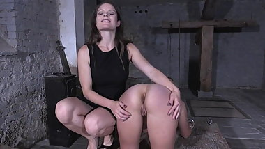 Lezdom - German Mistress
