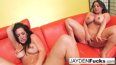 Sexy Jayden Jaymes And Sheridan Love love to fuck!