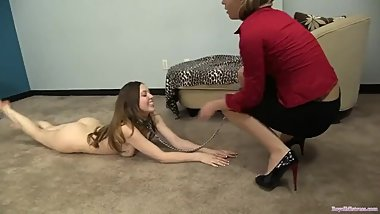 young slavegirl worship her mistress feet
