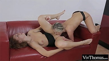 Close up lesbian ass licking and face grinding to orgasm