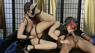 Spectacular orgi with latex huge dildos and anal fisting.