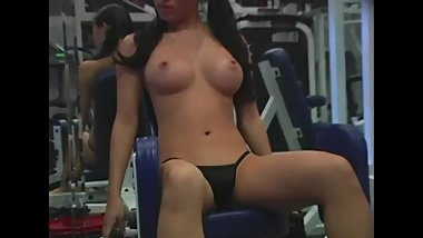 Amateur Akira Naked Workout at the Gym