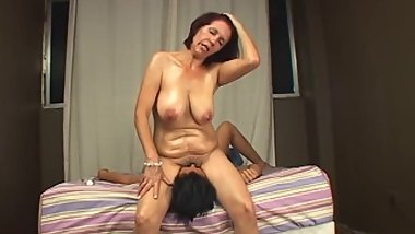 Facesitting orgasm mother stepdaughter
