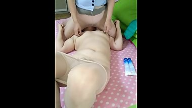 Ater footjob for the MILF slave,mistress usually ride on her face to climx